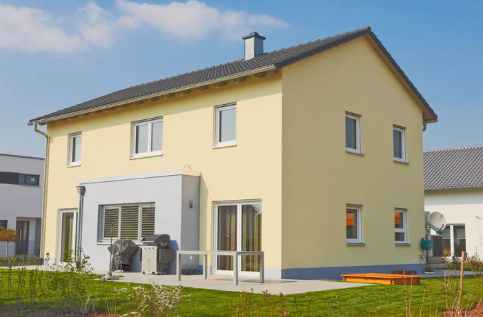 Einfamilienhaus in gelb gestrichen